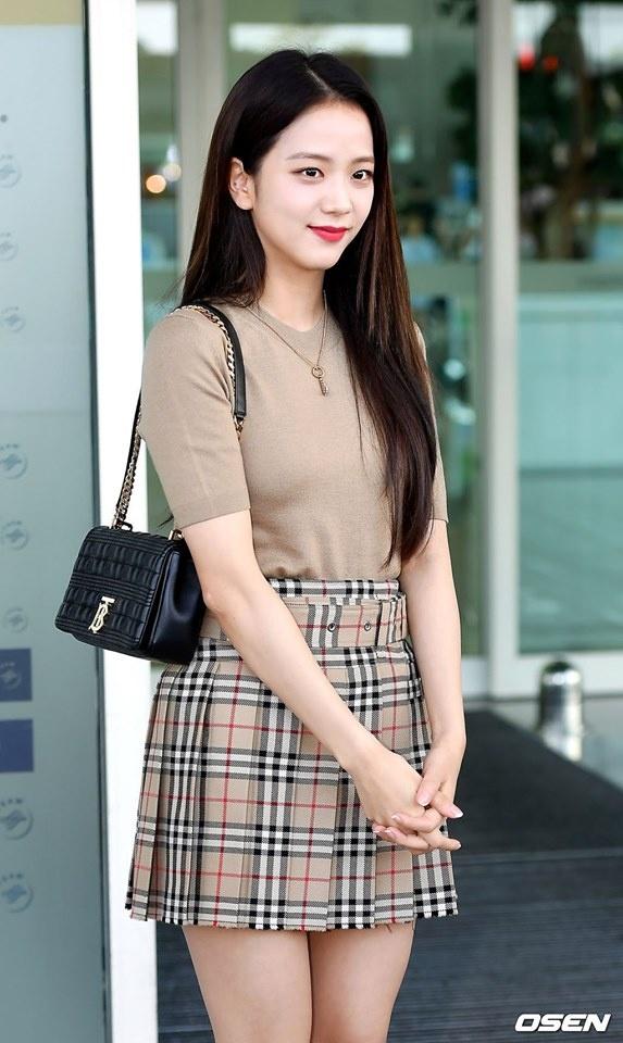 Ji Soo tai san bay anh 4