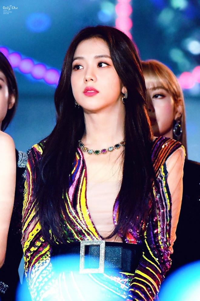 Nhan sac hang dau Kpop cua ban gai tin don Son Heung-min hinh anh 9