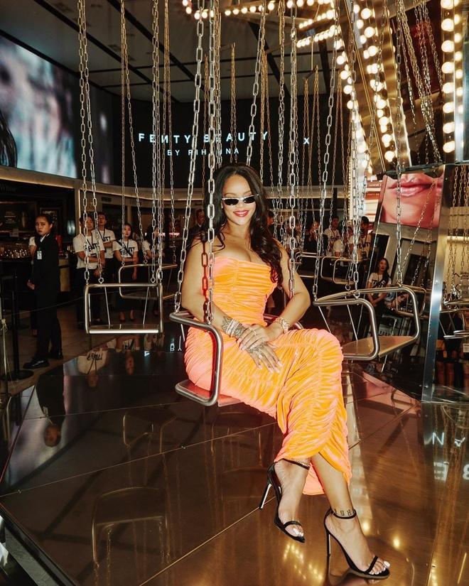 Jennie an mac don gian van tu tin do sac cung Rihanna hinh anh 3