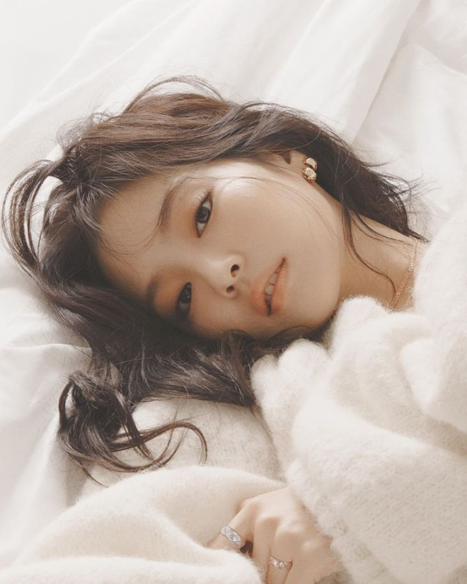 Hinh anh Jennie tren tap chi elle anh 1