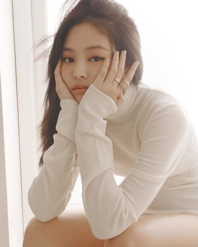 Hinh anh Jennie tren tap chi elle anh 2