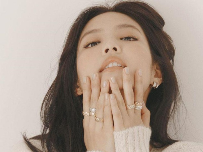 Hinh anh Jennie tren tap chi elle anh 6