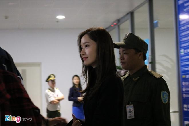 Yoona noi bat, Jang Dong Gun duoc khen phong do khi den Ha Noi hinh anh 2