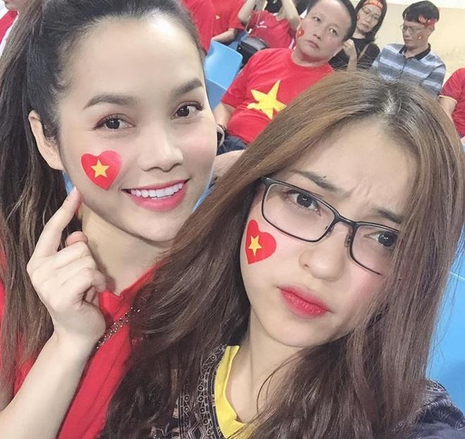 Ban gai Quang Hai, Tien Linh xuat hien xinh dep o khan dai san My Dinh hinh anh 1