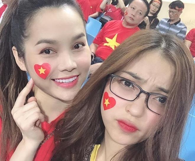 Ban gai Quang Hai, Tien Linh xuat hien xinh dep o khan dai san My Dinh hinh anh