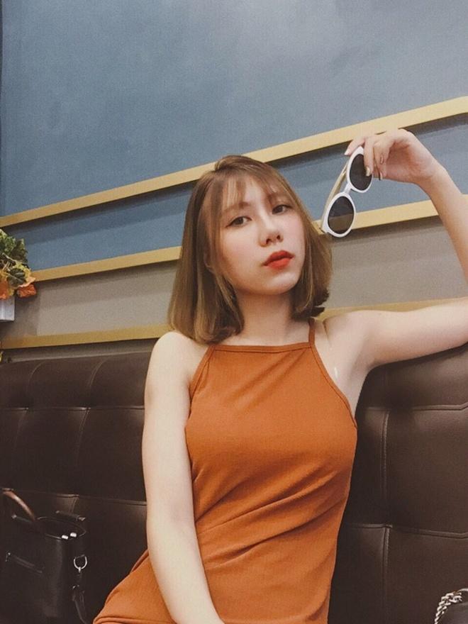 Hoi chi em ho cua Huong Tram: Ai cung xinh nhu hot girl, co ban trai hinh anh 6