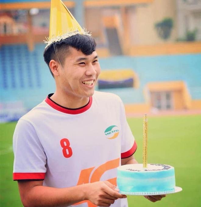 Dan mang che anh Doan Van Hau khong con la em ut o U23 Viet Nam hinh anh 5