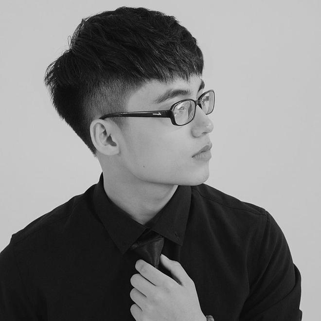 Chup goc nghieng, em trai Son Tung khien fan bat ngo vi giong anh trai hinh anh 1