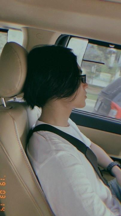 Chup goc nghieng, em trai Son Tung khien fan bat ngo vi giong anh trai hinh anh 6