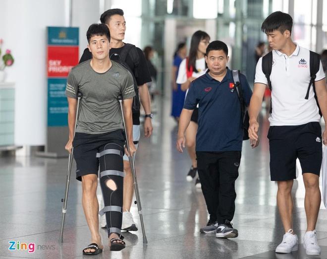 Quang Hai vui ve check-in, Duc Chinh 'cam thay dep trai' o Thai Lan hinh anh 7