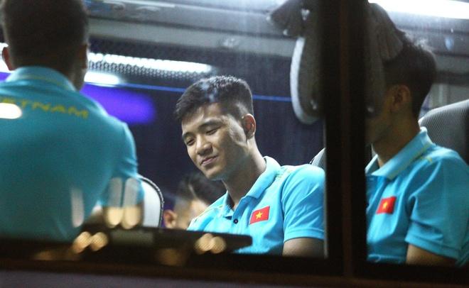 Quang Hai vui ve check-in, Duc Chinh 'cam thay dep trai' o Thai Lan hinh anh 5