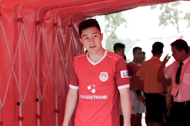 Cau thu dien trai cua Hoang Anh Gia Lai anh 1