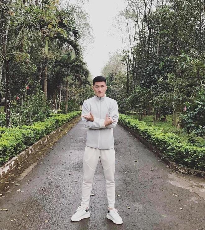 Cau thu dien trai cua Hoang Anh Gia Lai anh 6