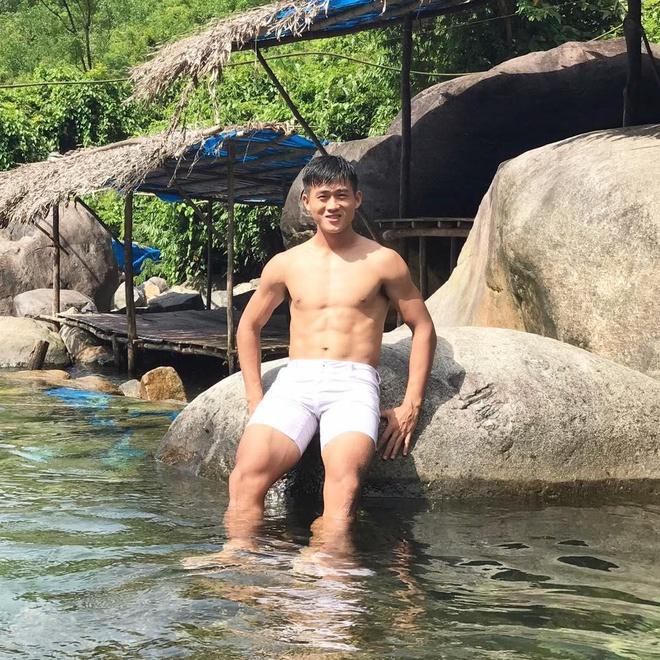 Tien dao Quang Nam khien fan nu tiec nuoi vi 'bo lo cuc pham' hinh anh 4