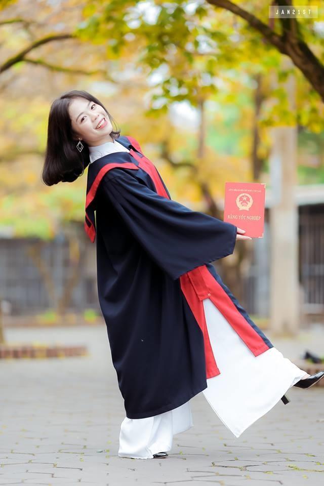 Nu sinh chuyen Van truong Phan Boi Chau la thu khoa khoi C toan quoc hinh anh 5