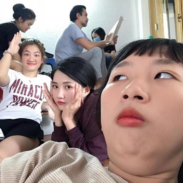 Chi Pu, Quynh Anh Shyn va nhung hot girl thich lam tro 'lay loi' hinh anh 12