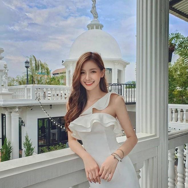 Cô nàng được mệnh danh 'Angela Baby của Thái Lan'