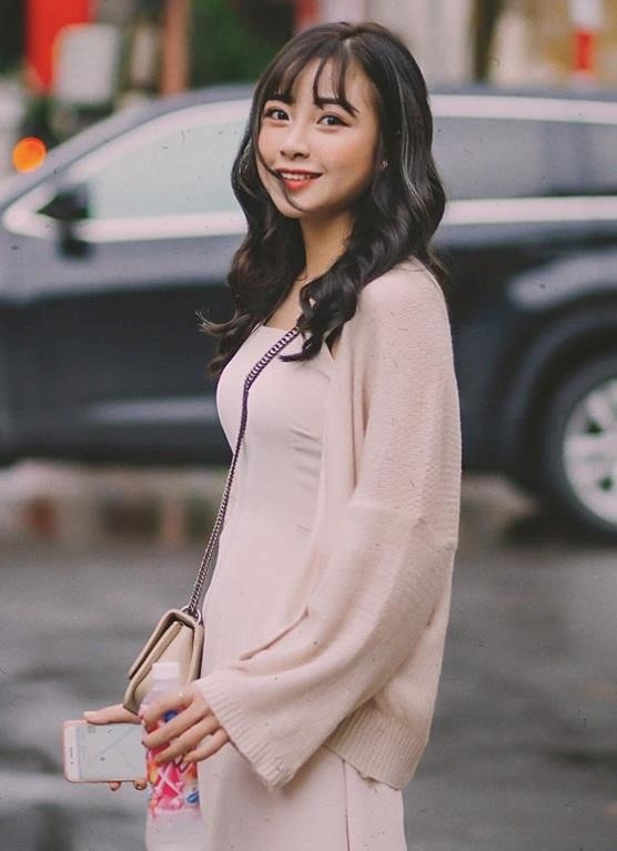 Nhat Linh - tu hot girl giao vien den ban gai tin don Phan Van Duc hinh anh 3