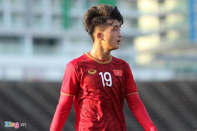 Van Lam, Danh Trung va cac cau thu don tim fan nu bang tai dan hat hinh anh 5