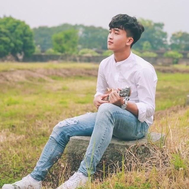 Van Lam, Danh Trung va cac cau thu don tim fan nu bang tai dan hat hinh anh 6