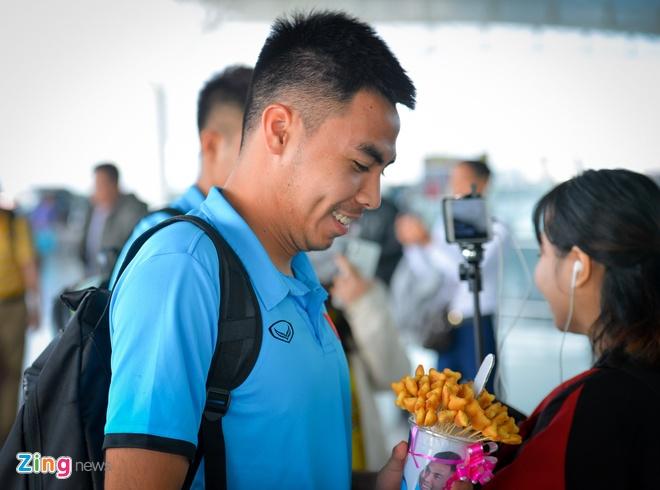 Duc Huy tai ngo cau thu Indonesia tung khien anh thua o giai U19 hinh anh 2