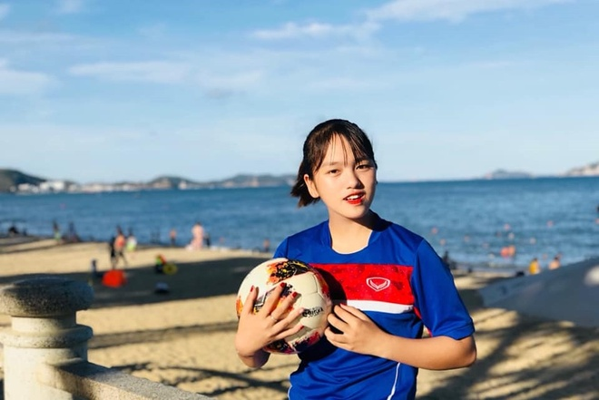 Nhan sac cau thu sinh nam 2002 cua tuyen U19 nu Viet Nam hinh anh 9