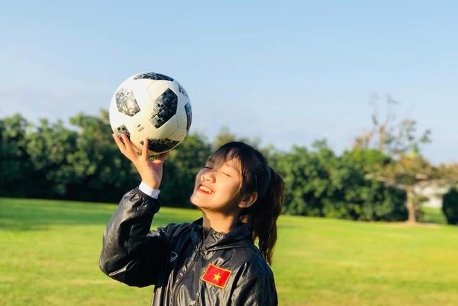 Nhan sac cau thu sinh nam 2002 cua tuyen U19 nu Viet Nam hinh anh 1