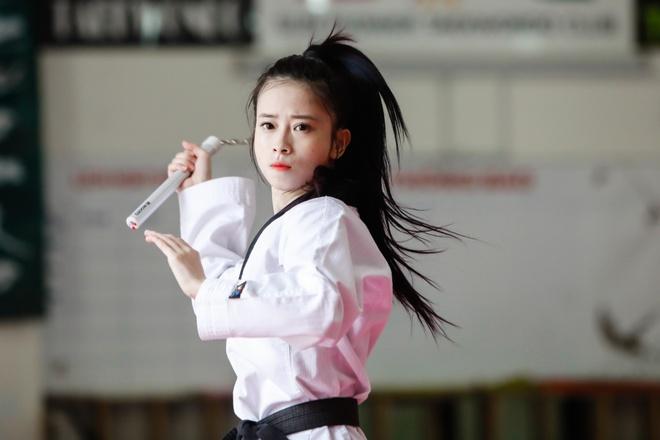 Nhan sac hai nu van dong vien gianh HCV taekwondo tai SEA Games hinh anh 1