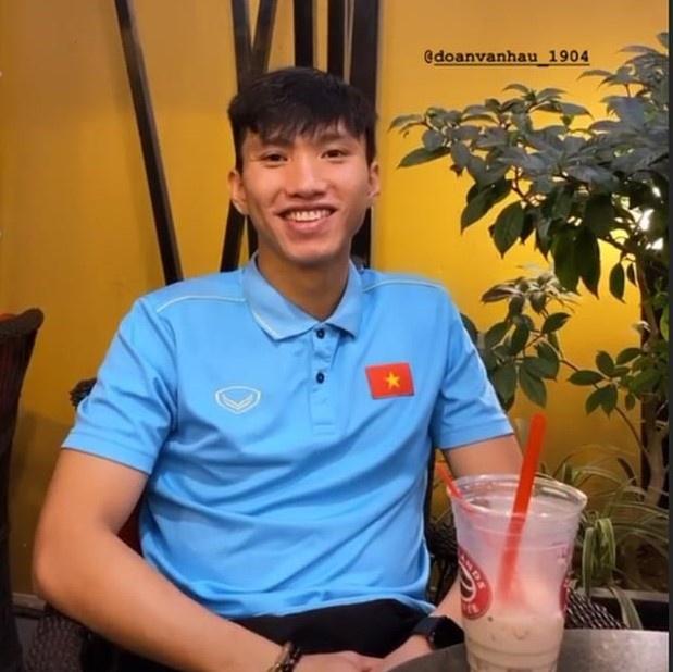 Hanh trinh yeu cua Doan Van Hau va ban gai hot girl hinh anh 9
