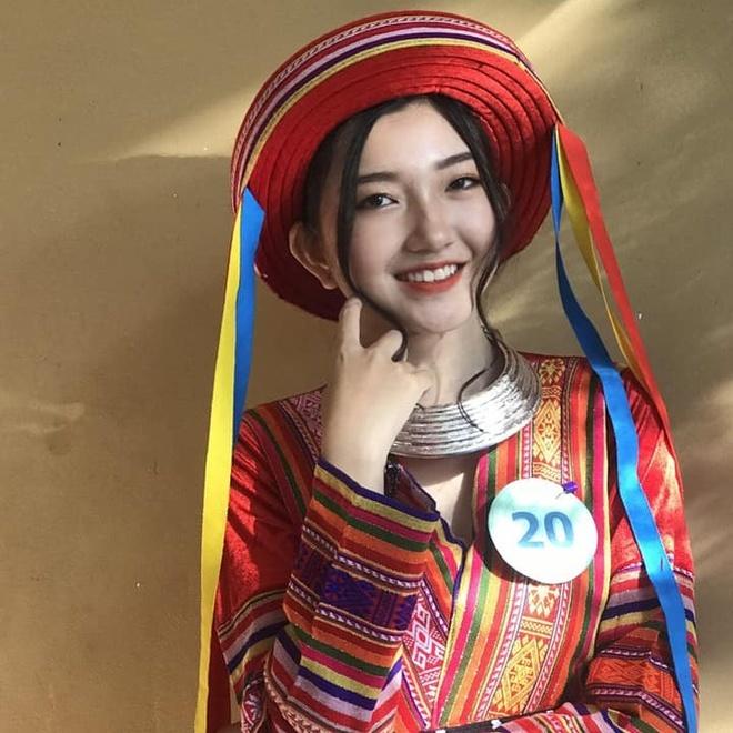 Hot girl khai giang va cac nu sinh THPT noi tieng trong nam 2019 hinh anh 4 72380246_2449673182025546_3826924574948196352_n.jpg