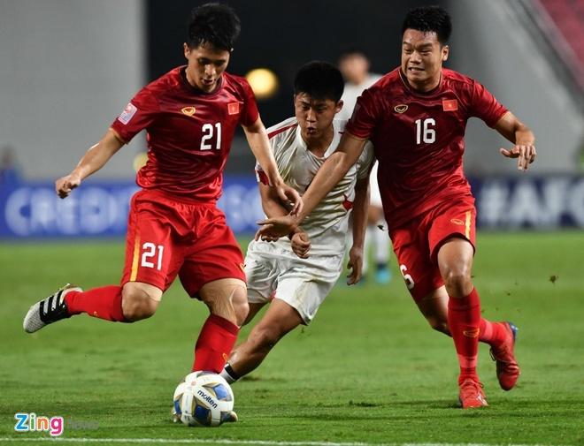 Dan mang buc xuc trong tai phat the vang U23 Viet n.am nhu 'phat li xi' hinh anh 1 45_zing.jpg