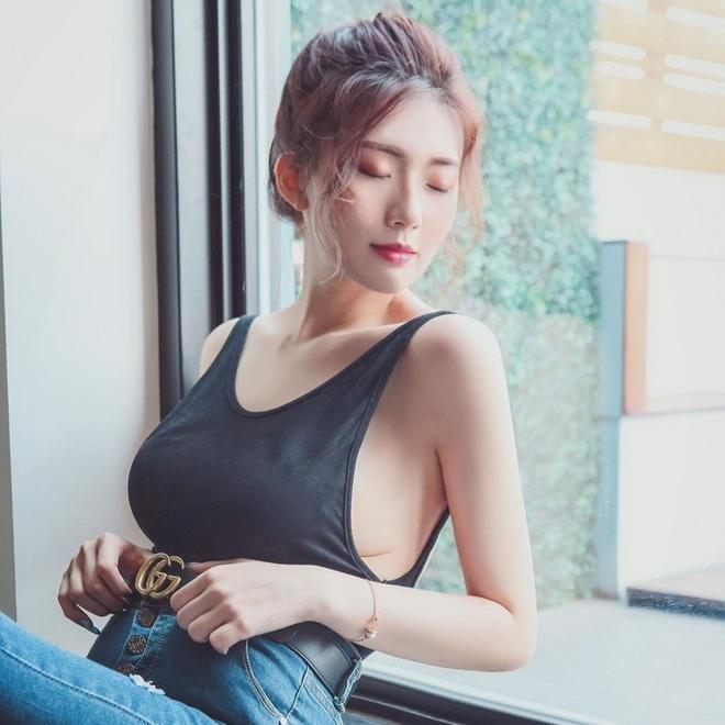 Hot girl Dai Loan bi nghi photoshop vong mot trong cac anh dang mang hinh anh 2 66623988_2416897795232020_6104754418620749406_n_1.jpg