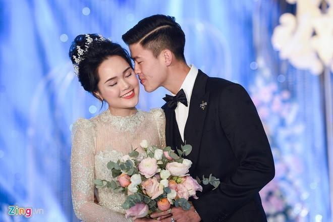 Quang Hai va ban gai anh 7
