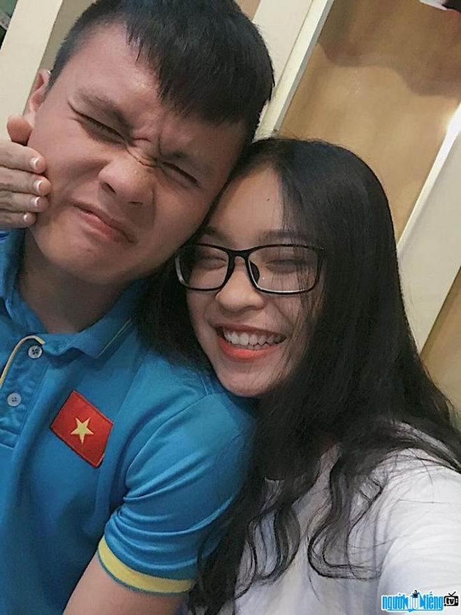 Quang Hai va ban gai anh 4