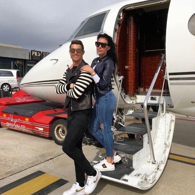 Những kỳ nghỉ sang chảnh của Ronaldo và bạn gái - Du lịch - Ẩm thực