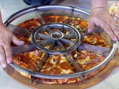 Vo lang sac lem chia deu pizza trong nhay mat hinh anh