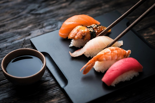 An sushi the nao dung phong cach cua nguoi Nhat? hinh anh