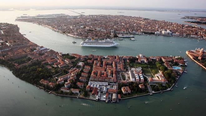 Venice se cam tau du lich, sieu du thuyen vao thanh pho hinh anh 1