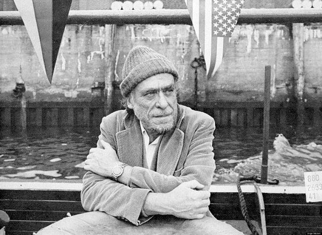 Nha tho khu o chuot Charles Bukowski:Noi danh nhung van khong duoc gioi phe binh de y anh 1