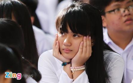 Tu chu dai hoc: Mieng banh kho nuot hinh anh