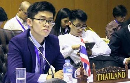 Nam sinh ke chuyen dong vai thu tuong Thai Lan hinh anh