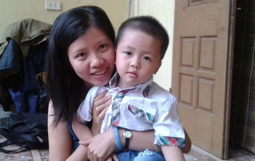 Con trai nu phong vien Dang Tuyen: Sao me con chua ve? hinh anh