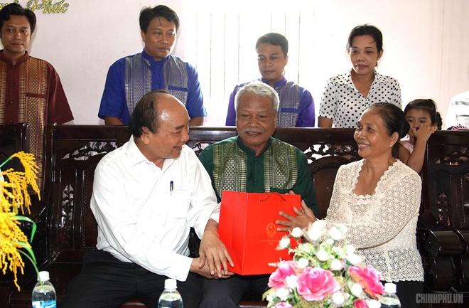 Thu tuong toi tham Hoc vien Phat giao Nam tong Khmer hinh anh 2
