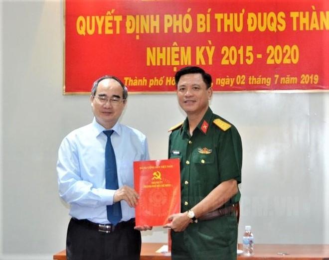 Ong Nguyen Truong Thang giu chuc Pho bi thu Dang uy Quan su TP.HCM hinh anh 1