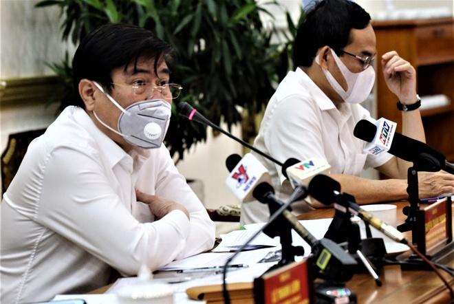Chu tich TP.HCM de nghi phat nguoi khong deo khau trang noi cong cong hinh anh 1 ntp_bcs.jpg