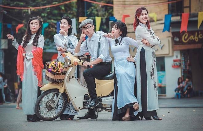 Bo anh Ha Noi nhung nam 80 cua sinh vien Ngoai thuong hinh anh 1