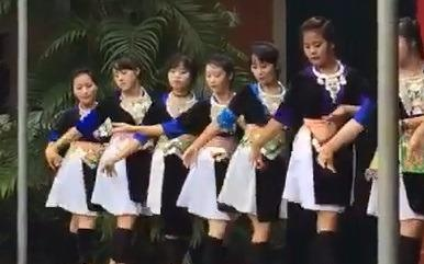 Clip mua truong THPT Ky Son, Nghe An hinh anh