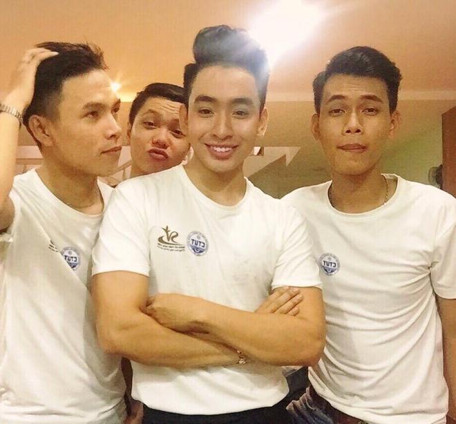 Nam vuong Ha Tan Phat: 'Toi tung tu ti ve ngoai hinh' hinh anh 5