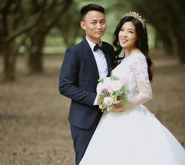 Chu re Ha Noi deo kieng vang kin co trong dam cuoi hinh anh 4
