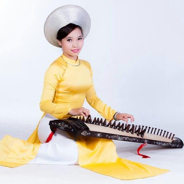 Nu sinh Sai Gon cover ca khuc 'Despacito' bang dan tranh hinh anh 1